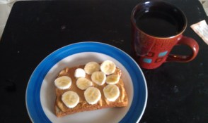 Arnold bread with peanutbutter and 1/3 a banana